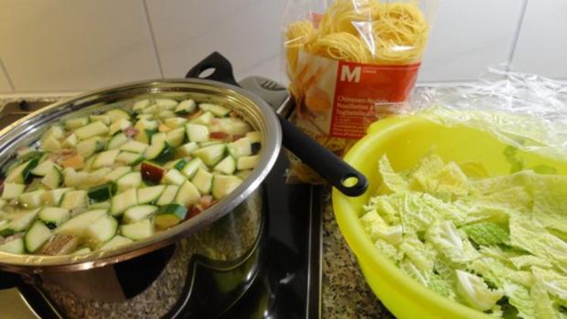 Gemüsesuppe mit Chinesen-Nudeln - Rezept - Bild Nr. 2