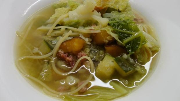 Gemüsesuppe mit Chinesen-Nudeln - Rezept