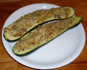 Gefüllte Zucchini-Schiffchen - Rezept