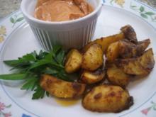 Kartoffeln: Würzig marnierte Ofenkartoffeln mit Dip - Rezept