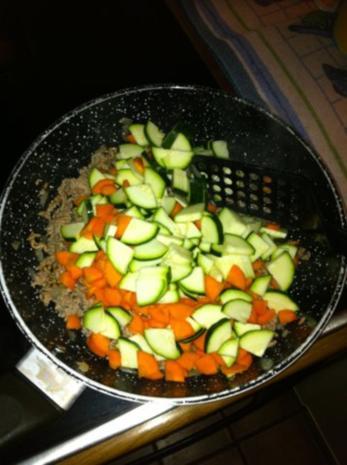 Gemüse-Hack-Feta-Nudelpfanne - Rezept - Bild Nr. 3