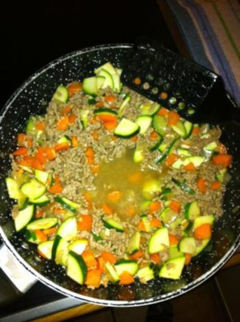 Gemüse-Hack-Feta-Nudelpfanne - Rezept - Bild Nr. 4