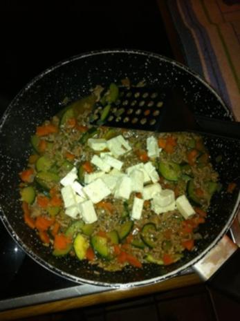 Gemüse-Hack-Feta-Nudelpfanne - Rezept - Bild Nr. 5