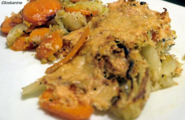 Fenchel und Möhren geröstet mit Parmesanbröseln - Rezept