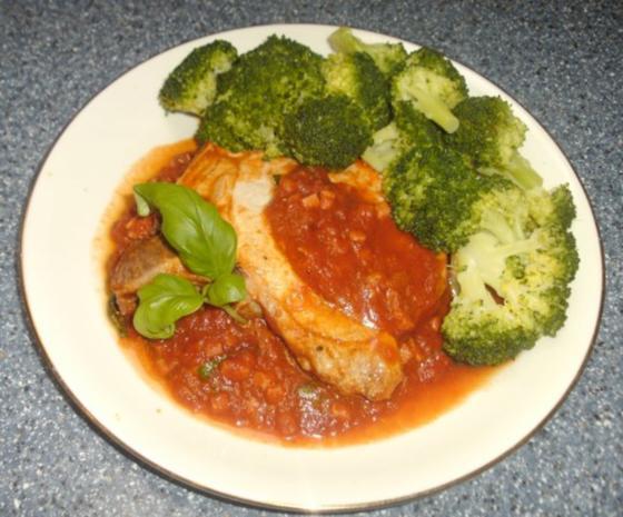 Koteletts in Speck-Tomatensoße - Rezept
