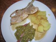 Geschmorte Dicke Rippe, an grünem Bohnengemüse und Salzkartoffeln (Hausmannskost) - Rezept