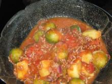 Rosenkohltopf in Tomatensoße - Rezept