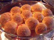 Gebäck: Buchteln / Rohrnudeln; Süßspeise mit Hefeteig; schmecken zum Frühstück / Brunch - Rezept