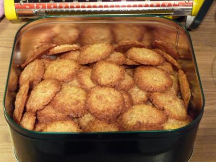 Plätzchen 2012 : Dinkelflocken - Kokos - Plätzchen - Rezept