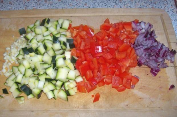Vier-Käse-Lachs-Lasagne-Rollen in cremiger Gemüsesoße - Rezept - Bild Nr. 4