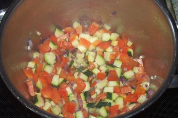Vier-Käse-Lachs-Lasagne-Rollen in cremiger Gemüsesoße - Rezept - Bild Nr. 5