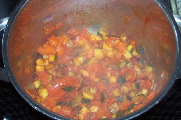 Vier-Käse-Lachs-Lasagne-Rollen in cremiger Gemüsesoße - Rezept - Bild Nr. 6