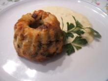 Knödel: Speck-Gugelhüpfchen in Käse-Sahne-Soße - Rezept
