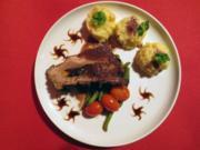 Gefüllte dicke Rippe mit Bohnenallerlei und Stampfkartoffeln - Rezept