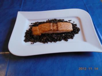 Kochen: Lachs mit Beluga- Linsen - Rezept