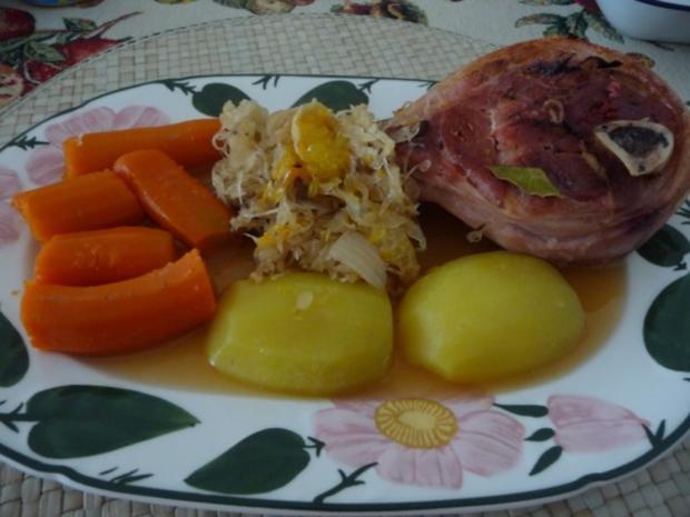 Schwein : Minieisbein auf Mandarinen-Sauerkraut - Rezept