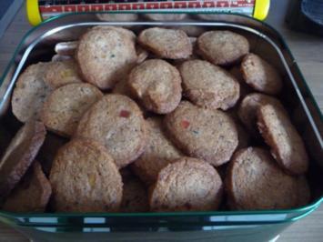 Plätzchen 2012 : Gutzle mit Aperol ( frei nach Schnautze) - Rezept