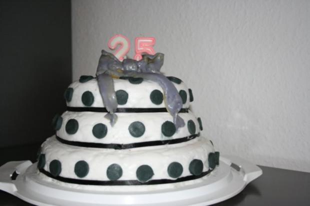 3 Stockige Schokoladen Hochzeitstorte Rezept Kochbar De