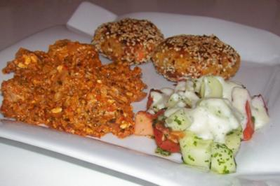 Orientalische Putenfiletpfanne mit Feta und Ajvar - Rezept