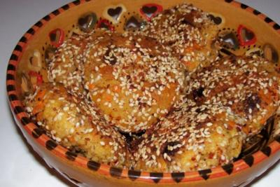 Beilagen: Couscousplätzchen mit Aprikosen und Sultaninen - Rezept