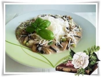 Reis-Bandnudeln mit  Champignons-Rahmsauce und Grana  Padano - Rezept