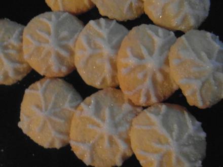 Weihnachtsplätzchen : Schneeflöckchen zum Geniesen - Rezept