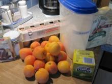 MARILLENKUCHEN (hatte noch tiefgefrorene Marillen, die mussten aus dem TK-Schrank) :)) - Rezept