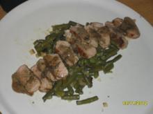 Schweinemedallions auf grünen Bohnen mit Cognac-Sahnesoße - Rezept