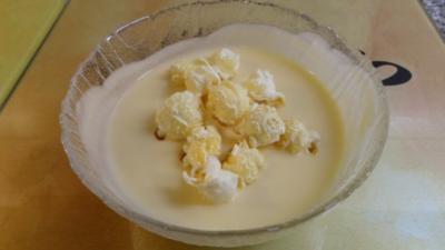 Süssmostcreme mit Caramel-Popcorn - Rezept