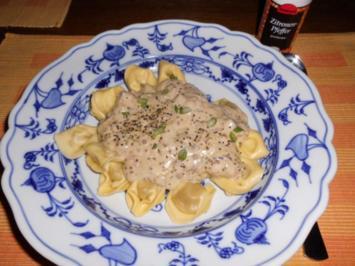 Cappelletti mit Champignoncreme>> - Rezept