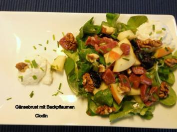Gänsebrust mit Backpflaumen auf Feldsalat - Rezept