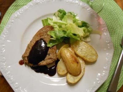 Rinderfilet an Rotweinsoße mit Rosmarinkartoffeln - Rezept