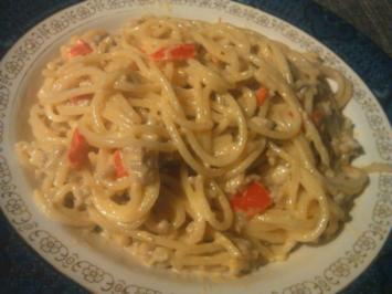 Scharfe Paprika-Gorgonzola-Spaghetti mit Hackfleisch - Rezept
