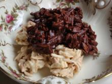 Mandelsplitter von Zartbitterschoki und Splitter von weisser Schoki - Rezept