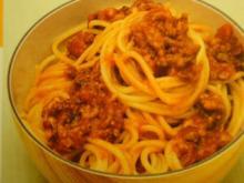 Sauce Bolognese mit Spaghetti oder Linguine - Rezept