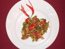 Scharfer Papayasalat mit Shrimps und Erdnüssen - Rezept