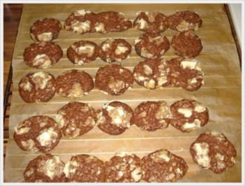 kekse mit schokolade und weiayer schokolade rezepte. Black Bedroom Furniture Sets. Home Design Ideas