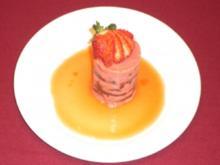 Erdbeerparfait auf Passionsfruchtspiegel - Rezept
