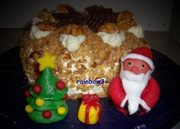 Backen: Fruchtige Mini-Weihnachtstorte mit Nuss und Marzipan-Deko - Rezept