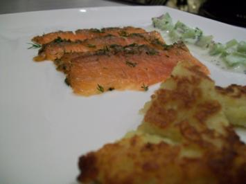 gebeizter Lachs/ Dill-Gurken-Relish/ Rievkooche - Rezept