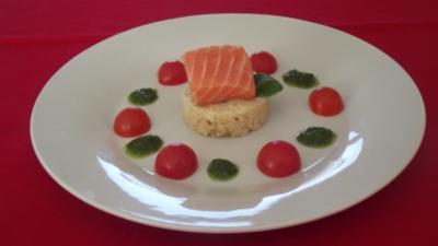 Salmrückenfilet auf Schwarzwurzelrisotto Feldsalat-Pesto und Tomaten - Rezept