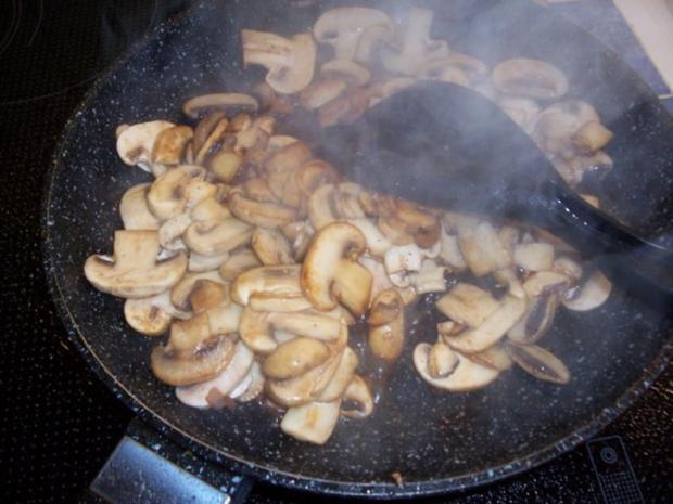 Hähnchengeschnetzeltes in Zwiebel-Sahne-Soße - Rezept - Bild Nr. 9
