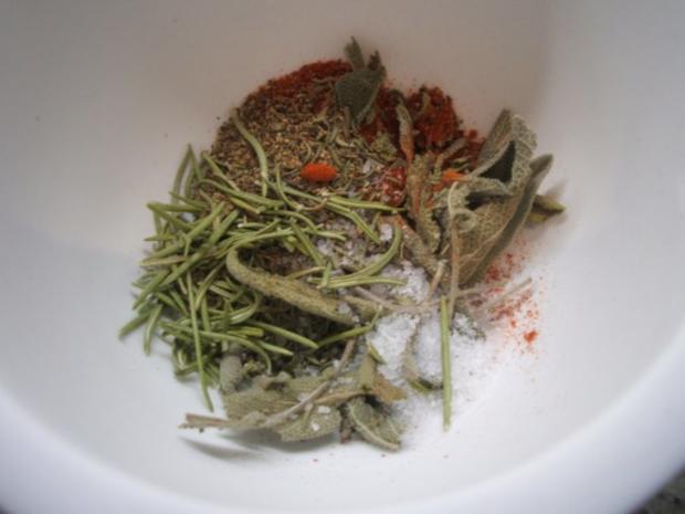 Geflügel: Marinierte Hähnchenschenkel aus dem Rohr mit Ofenkartoffeln - Rezept - Bild Nr. 3