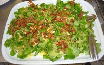 Feldsalat mit Kartoffeldressing - Rezept