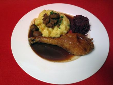 Gillbachtaler Freilandgans, Apfelrotkohl und Kartoffelstampf mit Maronen - Rezept