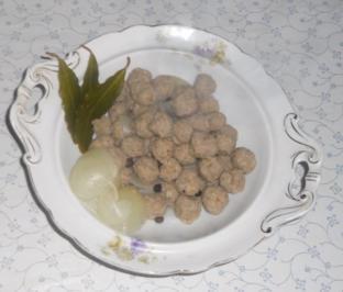 """""""Oma - Friede`s"""" Fleischklößchen als Einlage für Frikassèe u. klare Suppen (Rzpt. um 1910) - Rezept"""