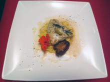 Gebratenes Zanderfilet auf Kartoffel-Steckrübenpüree und Knusperhippe - Rezept