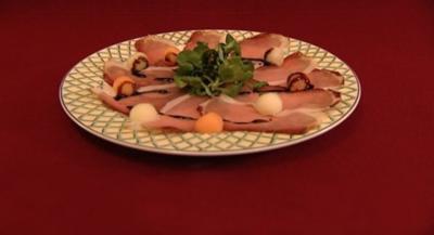 Hausgeräucherter Jauntaler Schinken auf Honigmelone (Larissa Marolt) - Rezept