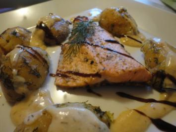 Lachsfilet mit Knusper Kruste in Riesling Sauce & Dill Kartoffel - Rezept