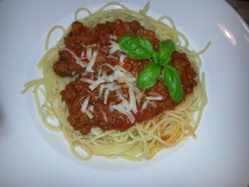 """Spaghetti Bolognese """"Trecolori"""" - Rezept"""
